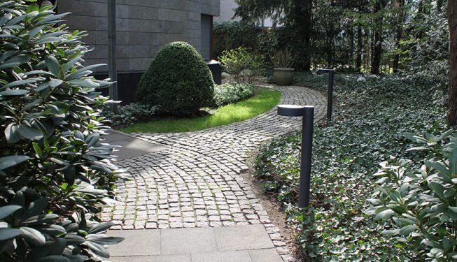 Objektbetreuung, gepflegte Gartenanlage in Köln, Vorgarten
